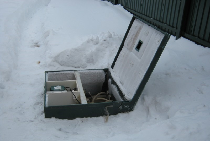 Септик зимой на даче